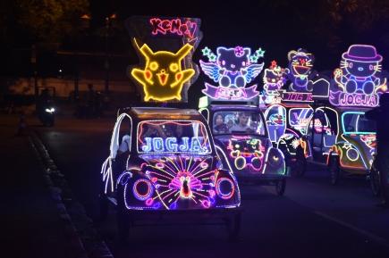 Distracció nocturna als carrers de Yogyakarta