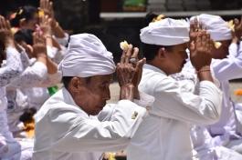 Una cerimònia hindú a Bratan