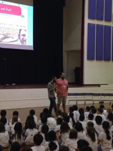 Presentem el primer conte als alumnes de Primària