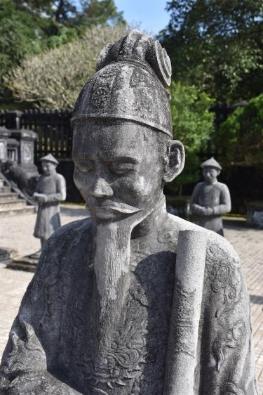 Detall d'una de les estàtues de Khai Dinh