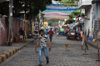 Carrer de Manila decorat
