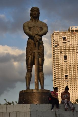 Una estàtua gegant del Parc Rizal