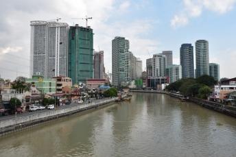 Vistes del riu que travessa Manila