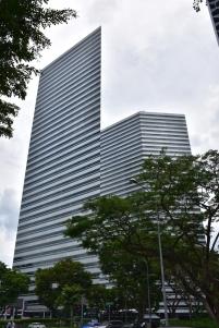 Pots veure edificis de tot tipus passejant per Singapur