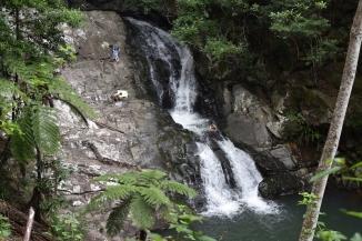 Una de les cascades a Cougal Cascade Park