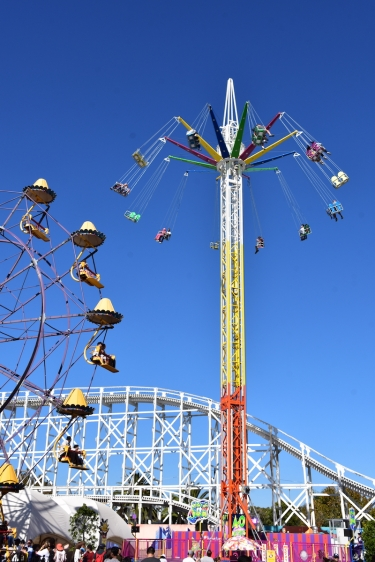 Tres de les atraccions del Luna Park