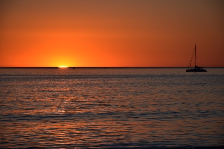 Una posta de sol preciosa a la platja d'Adelaida