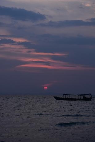 La posta de sol a Otres Beach