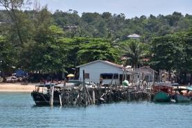 El port de M'Pay Bay Village