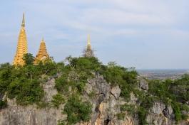 Phnom Sampow Pagoda