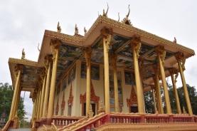 Un temple prop d'Ek Phnom Temple ple de murals pintats