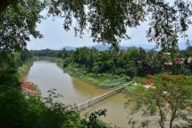 Vistes al Khan River i el bamboo bridge