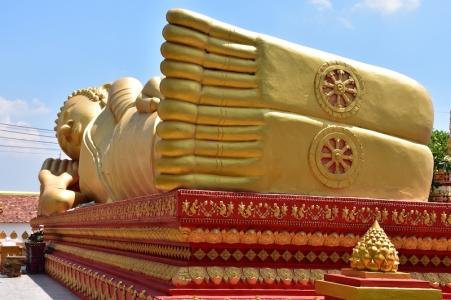 Buda reclinat a That Luang Tai