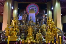 Una de les sales interiors del Wat Si Muang