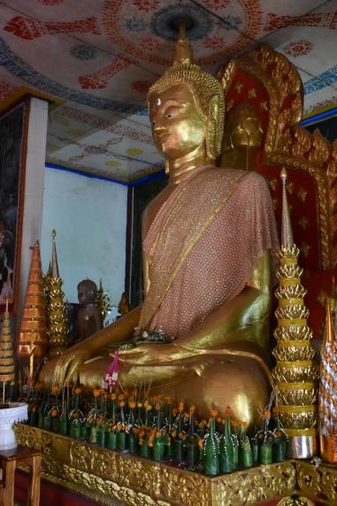 Interior de Wat Luang