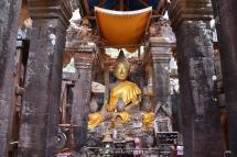 Budes del temple que hi ha al cim